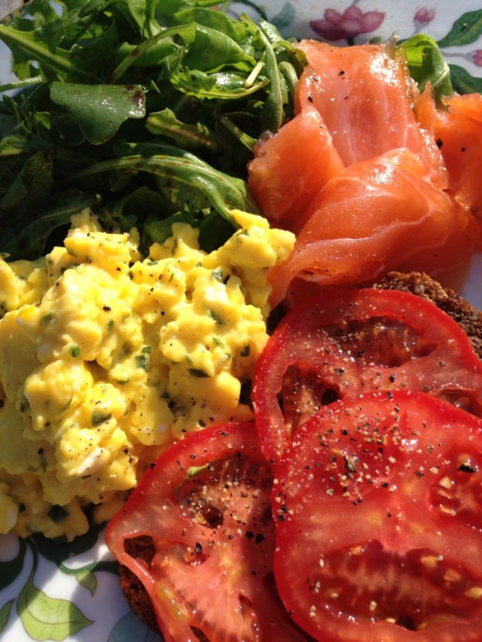 Smoked salmon, rye bread toast with tomatoes, a portion of scrambled eggs and a hearty handful of rocket. One of the secrets to her beauty? Perhaps...